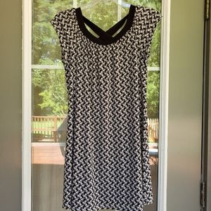 HYPE Black and White Dress - Size 16 (GUC)